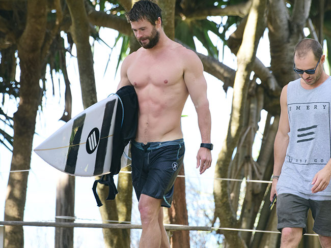 Chris Hemsworth seen surfing in Byron Bay, looks hot AF