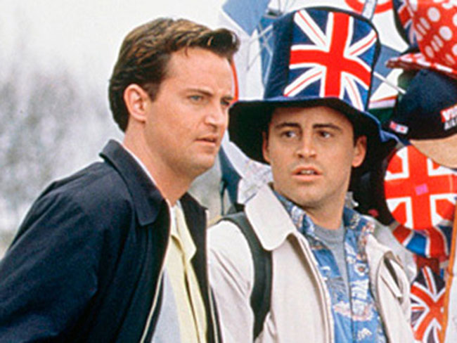 "LOOK HERE: Joey and Chandler reunited in ""London Baby"""
