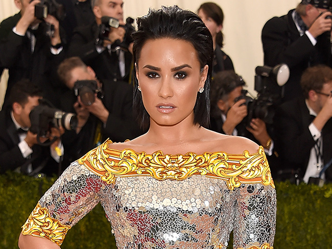 Demi Lovato is GOING OFF at Nicki Minaj on Instagram