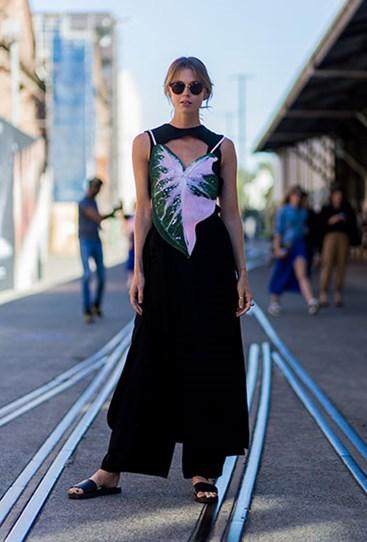 3.jpg?Image=%2fs3%2fdigital cougar assets%2fCosmo%2f2016%2f05%2f18%2f78783%2f3 - Лучшие street-style образы Недели моды в Австралии.