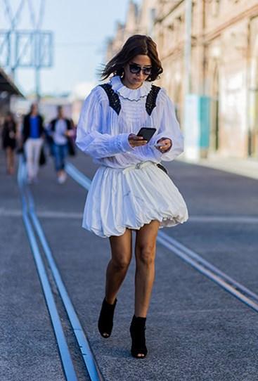 11.jpg?Image=%2fs3%2fdigital cougar assets%2fCosmo%2f2016%2f05%2f18%2f78792%2f11 - Лучшие street-style образы Недели моды в Австралии.