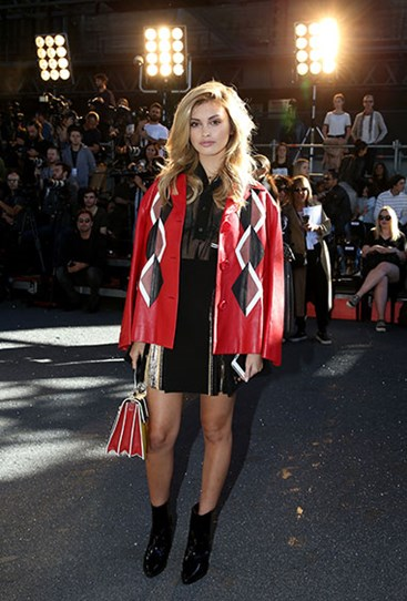 18.jpg?Image=%2fs3%2fdigital cougar assets%2fCosmo%2f2016%2f05%2f18%2f78799%2f18 - Лучшие street-style образы Недели моды в Австралии.