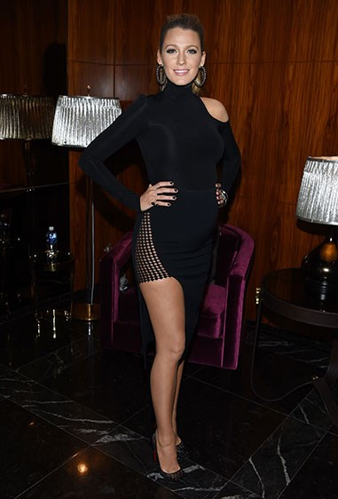 And for the after party? She got her long legs out in this sexy LBD <33
