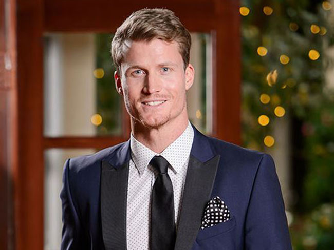 What to do (and what NOT to do) on a first date as exemplified by Richie Strahan's Bachelorettes