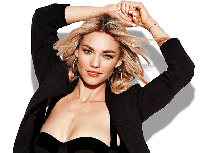 Watch Sam Frost being a total babe BTS at Cosmo's cover shoot