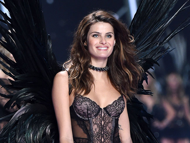 Victoria's Secret model, Isabeli Fontana, gets married in the naked dress of your dreams