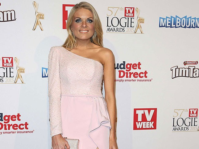 Erin Molan responds to douchebag who tried to roast her over her 'bad' parking
