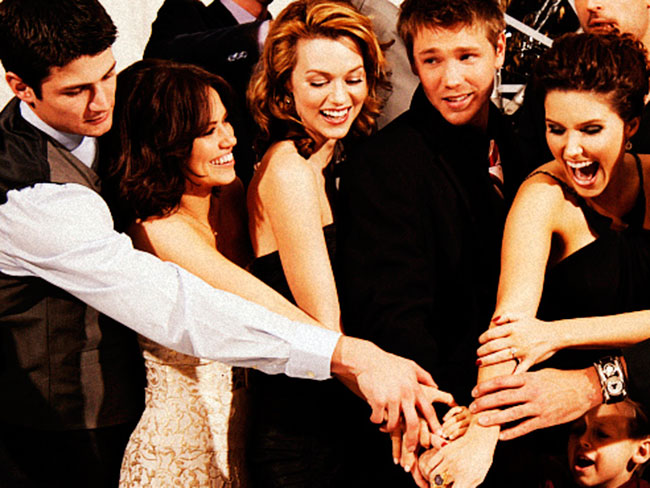 Oh hai, One Tree Hill fans: This Dan Scott theory will blow your damn mind