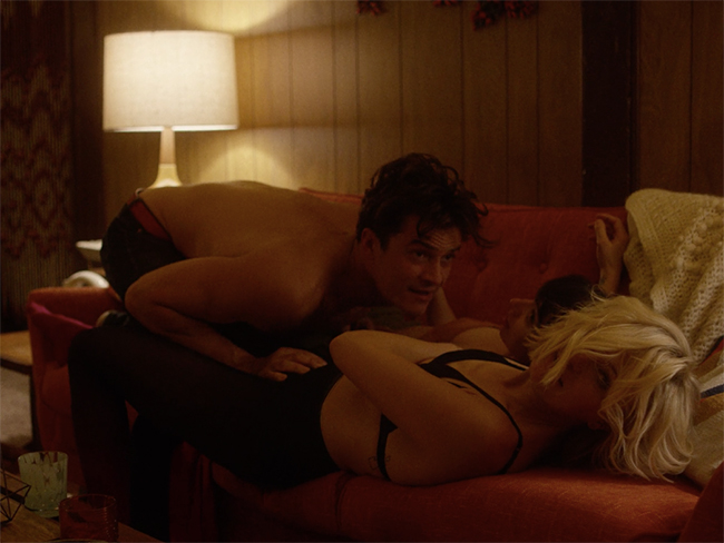 Orlando Bloom has a steamy threesome scene in new Netflix show Easy