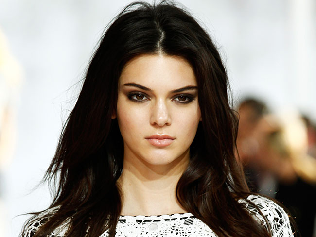 "Kendall Jenner says fashion industry ""laughed"" at her…"