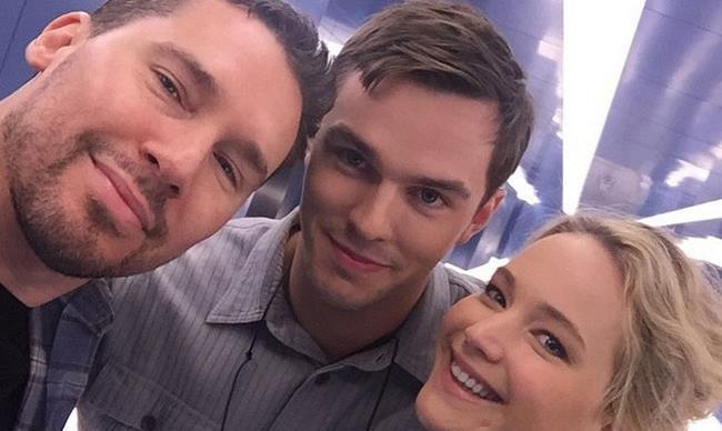 Jennifer Lawrence and Nicholas Hoult reunite on the set of X-Men: Apocalypse
