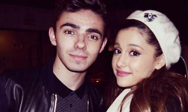 Newsflash: Ariana Grande and ex-BF Nathan Sykes DON'T still talk
