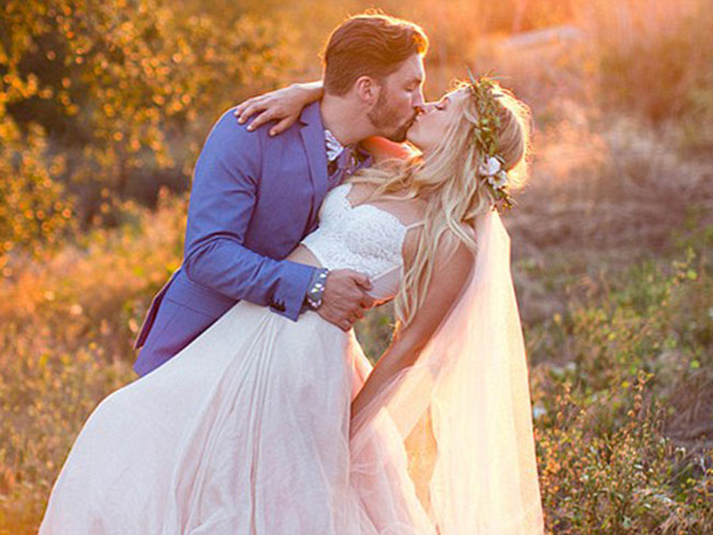 A Pretty Little Liars star got married!