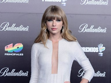Taylor Swift convinces Apple to pay artists for their music