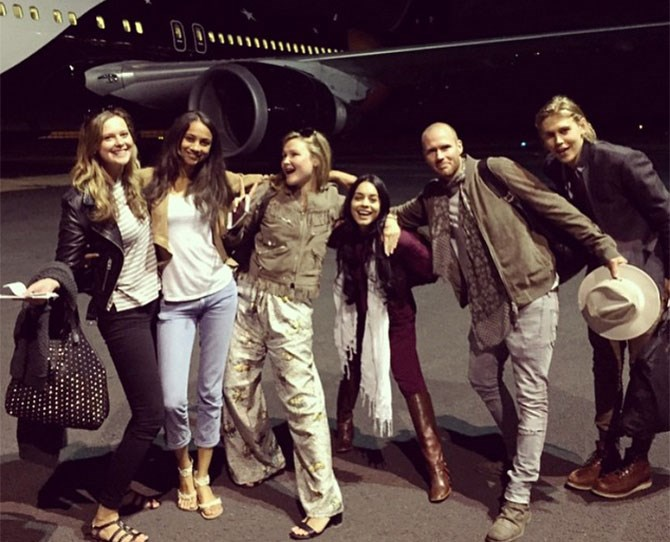"""Vanessa Hudgens and her bae Austin Butler just went on an African safari (we must've missed the memo, damn!) and their photos are TDF. 'Nessa shared this snap and wrote: """"#SQUAD About to slay some scotch smoked salmon in flight menu on point @misssophiedickens #SophieLyndon2015."""" Well, V, if your aim was to give us FOMO, you've nailed it..."""