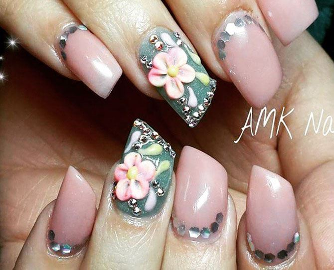 These nails are on trend and give us serious holiday island vibes.