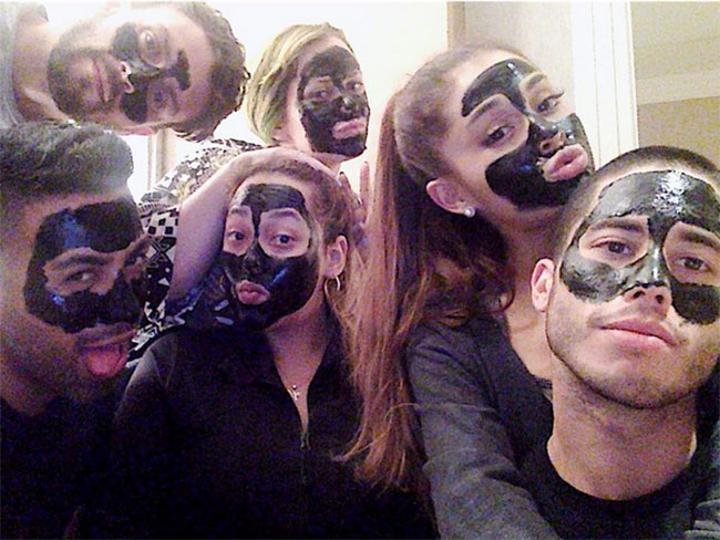 Ariana Grande's make-up artist spills on what it's like being in her entourage