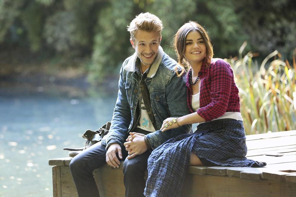 **Riley (Nick Roux)** Remember this guy? Of course you do! It seems season 4 was the prime time for ~babes~ in the show. Aria first met Riley when she toured Syracuse University after she broke up with Ezra. Although Riley only stayed for one episode, we will #neverforget him serenading Aria with his guitar.