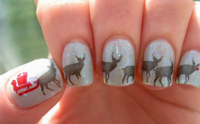 How cute is Rudolph on the pinky?! <3