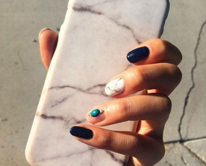 **Stone Nails:** The newest nail trending is taking over Instagram and we are LUVVVVVing it.