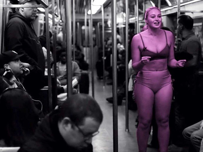Model Iskra Lawrence gets naked on train for body-image