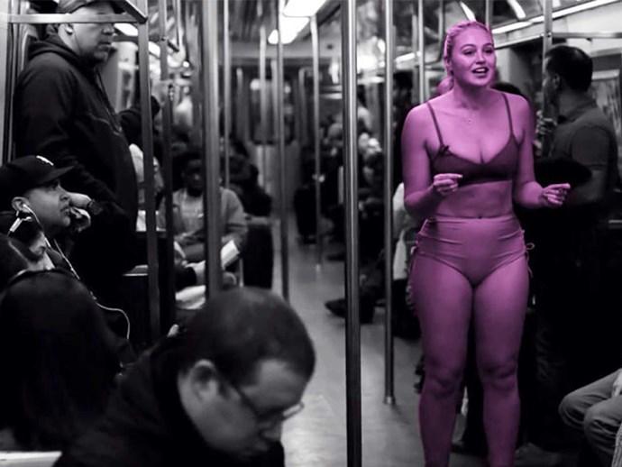 Model Iskra Lawrence gets naked on train for body-image
