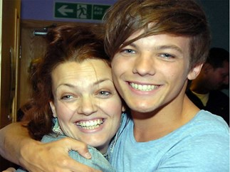 Ways Johannah Deakin blessed One Direction fans