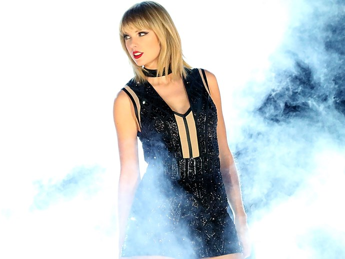 Taylor Swift donates $100,000 to Smokey Mountain Wildfires.