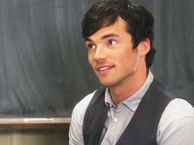 10 reasons why PLL's Ezra Fitz is the absolute worst