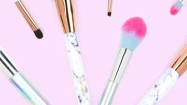 Sooo there are new Marble and Holographic makeup brushes available and they're 2die4