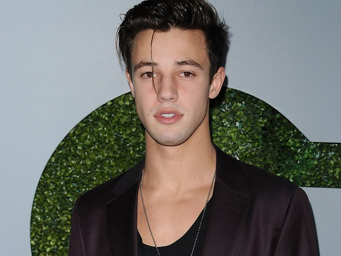 Cameron Dallas just dragged his ex-girlfriend on Twitter