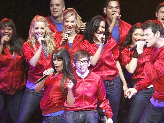 'Glee' star Dean Geyer engaged to girlfriend Jillian Murray