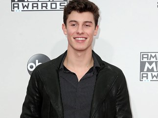Shawn Mendes performs secret song at friends wedding
