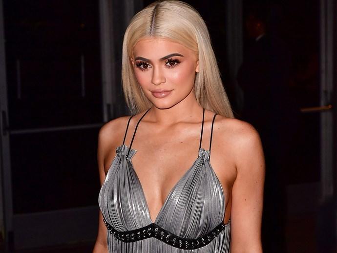 Z-O-M-G Kylie Jenner just cut her hair short AF