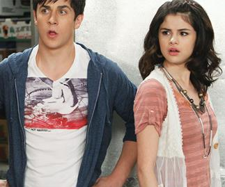 David Henrie shares Wizards of Wavery Place throwback with Selena