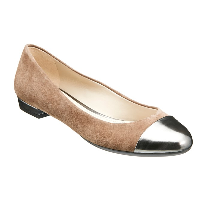 "Applause (taupe/pewter). <a href=""http://www.naturalizer.com.au/cart/search/6548859e76d1158e4a3b0bd046f1a14d"">Click here to buy or explore more styles.</a>"
