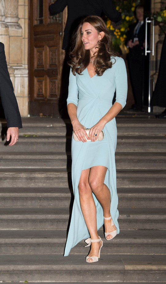 Kate Middlton is showing a more adventurous sartorial side during her second pregnancy, opting for bespoke Jenny Packham gown that showed off her (fab) legs for a red carpet event in London.