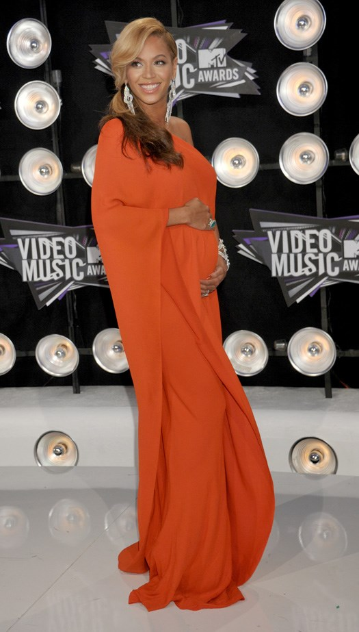 Beyoncé's orange Lanvin gown looked super chic (and comfortable) at the 2011 MTV Music Video Awards.
