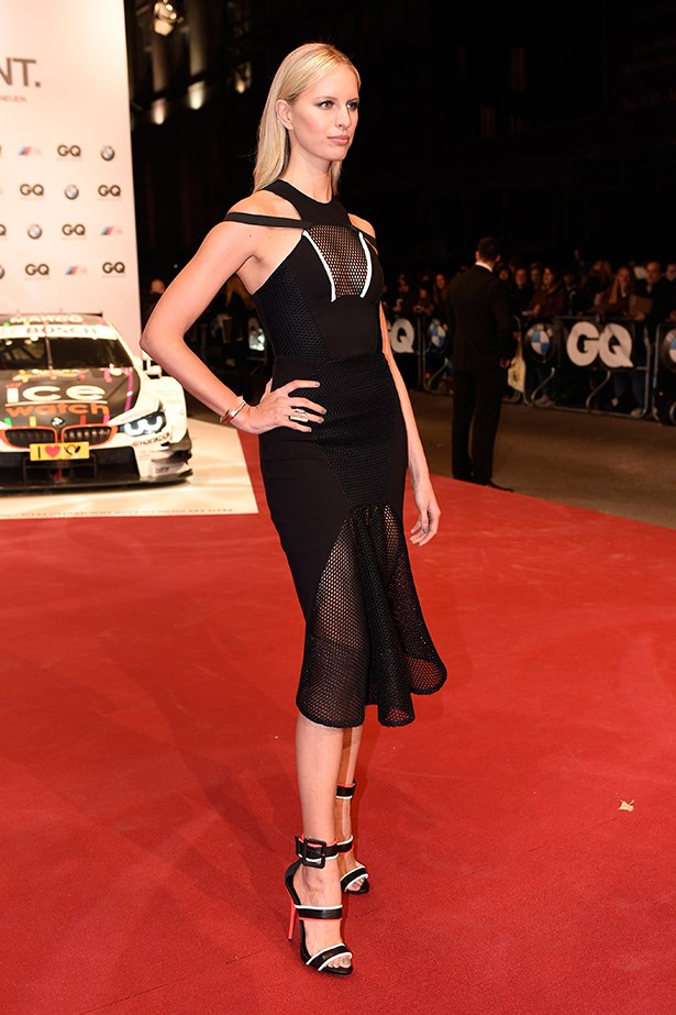 Karolina cleverly coordinated the trim of her Giuseppe Zanotti wheels to the red carpet. Snap.