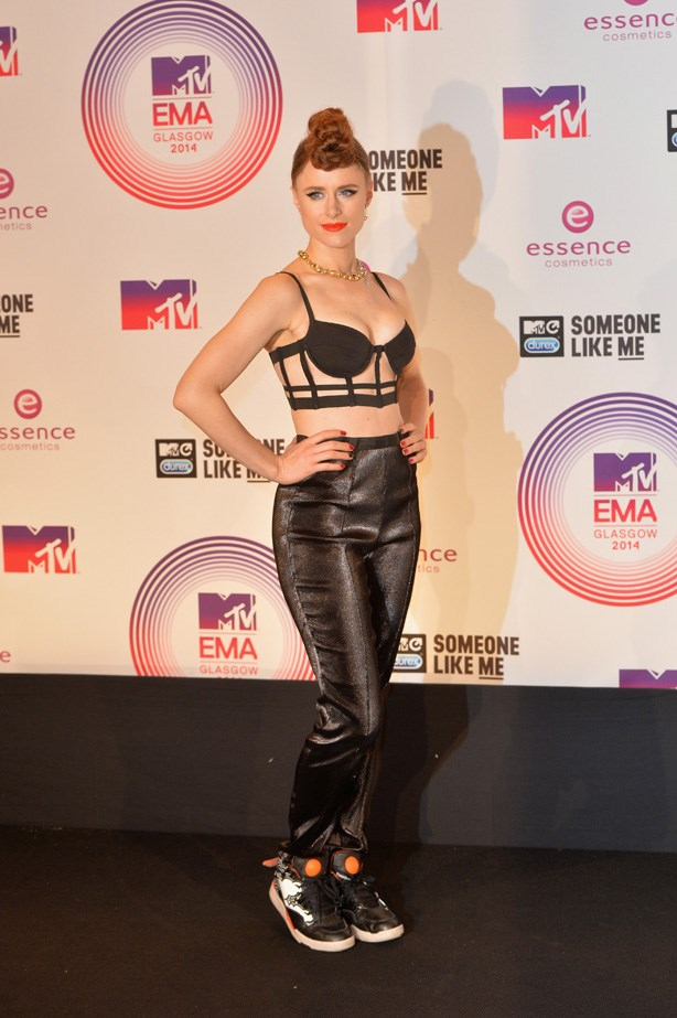 She then switched to all-black, post-performance. Trainers + harness bra + lurex pants = perfectly appropriate attire for the  MTV EMAs.