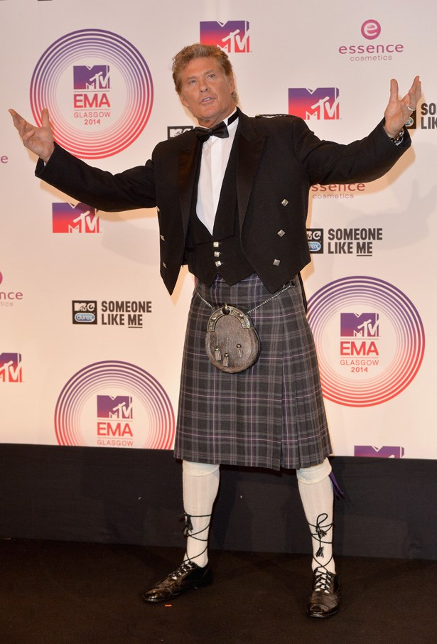 Taking a leaf out of Redfoo's sartorial book, David Hassellhoff opted for the Scottish man-skirt too.