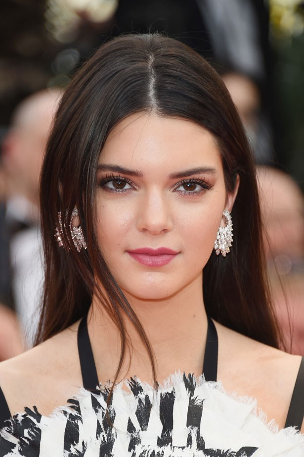 At the 67th Annual Cannes Film Festival in 2014 Kendall wore a centre-part and dusty pink lipstick.