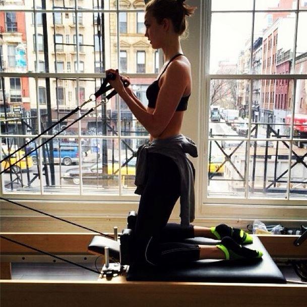 Karlie Kloss Pilates @karliekloss on Instagram