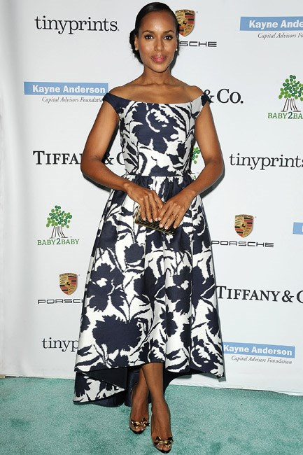 Kerry Washington's cap-sleeve Oscar de la Renta look put a sleek spin on a feminine silhouette and print.