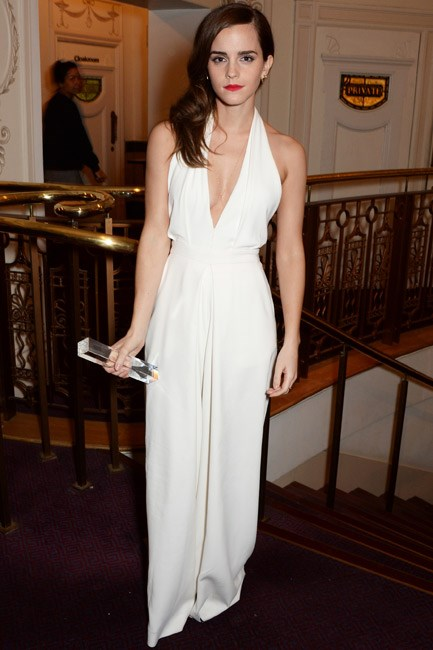Proving why she took home the British Style Icon Award at the British Fashion Awards, Emma Watson flaunted a stunning Misha Nonoo jumpsuit. The looseness of the pants meant that she got the glamour of the gown, with the freshness of the suit.