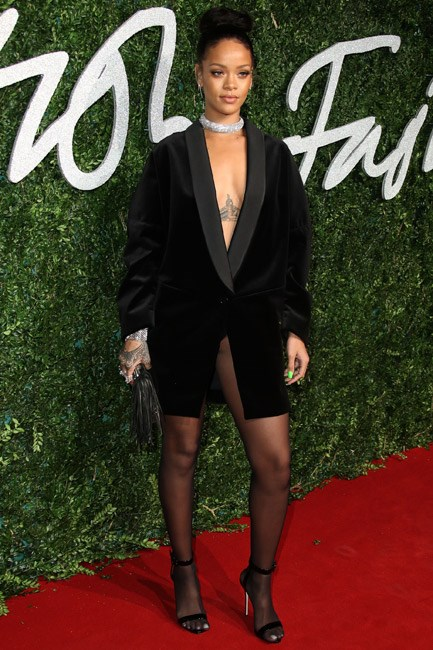 <b>Dare: Pose pant-less pretty</b><br> One part tailored, one part <em>tease</em> and all parts chic — wearing a long-blazer like a dress is an innovative idea. Case in point: Rihanna in Stella McCartney.