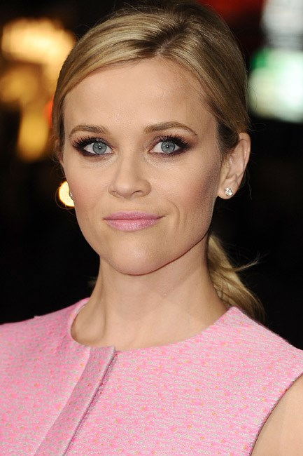 <strong>Eyeshadow + Eyeliner + Lipstick = Reese Witherspoon</strong><br><br> Pretty in a pink pout and sultry in a sexy stare.