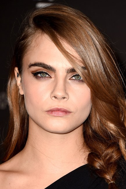 <strong>Brow powder + Eyeshadow + Eyeliner = Cara Delevingne</strong><br><br> The eyes – and brows – have it! Drawing attention to the top part of her face. <em>J'adore</em>.