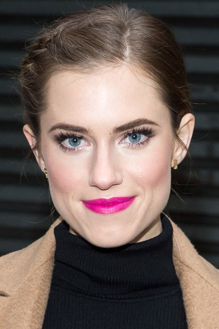 <strong>Eyeshadow + Lipstick + Blush = Allison Williams</strong><br><br> A fabulous fuchsia lip and golden eyes are the ultimate co-stars.