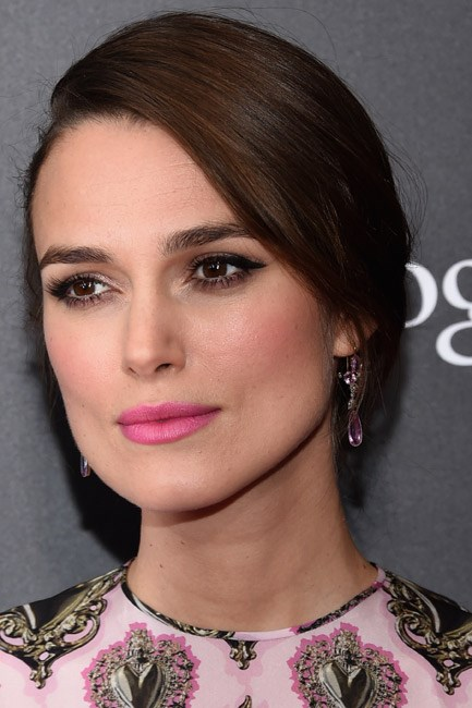 <strong>Eyeshadow + Lipstick + Blush = Keira Knightley </strong><br></b> While those cheekbones want to steal the limelight the lips and the eyes are no shrinking violets.